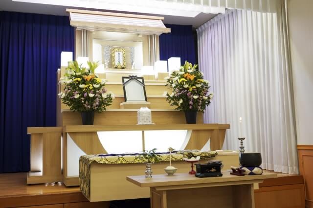 葬式のお金は平均135万円!コツで安くできる!内訳やお布施もまとめて解説