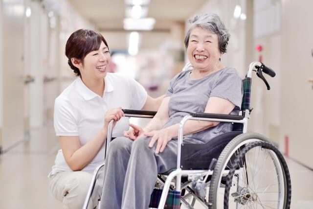 【老人ホーム入居準備】手続き・持ち物・持ち込み禁止な物をまるごとまとめ!