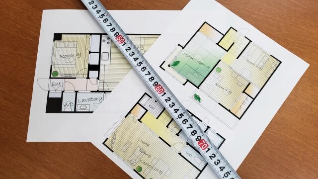家の図面とサシ