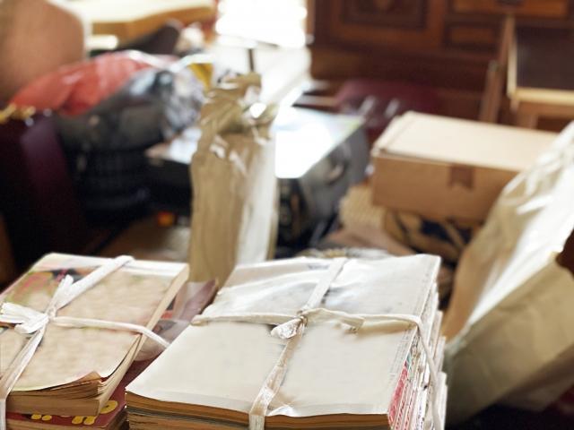 遺品整理と不用品回収の違いは?作業内容・サービス・業者の選び方