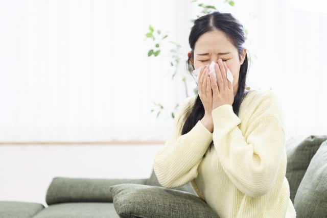 汚部屋がアレルギーの原因に?!心身への悪影響・片付けるコツを紹介